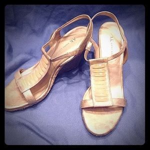 Anne Klein Wedge Sandal SZ 8.5